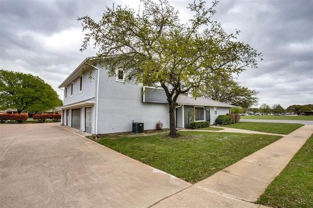 606 Timberline Drive, Hurst, TX 76053 (MLS #14543840) :: The Rhodes Team