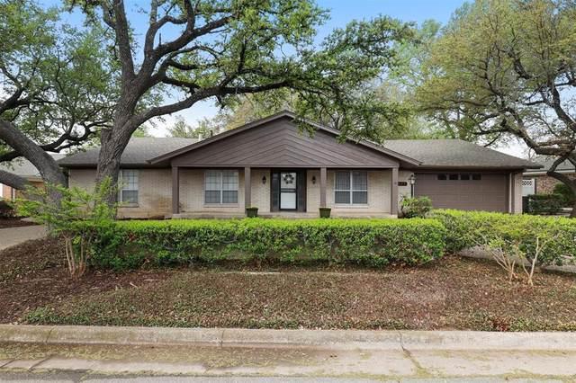 5925 Diamond Oaks Drive S, Haltom City, TX 76117 (MLS #14544472) :: The Chad Smith Team