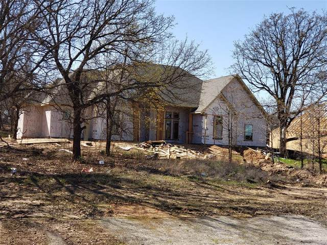 3033 Fossil Oaks Drive, Azle, TX 76020 (MLS #14546110) :: Real Estate By Design