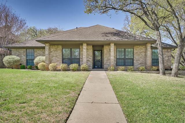 2628 Riveroaks Drive, Arlington, TX 76006 (MLS #14546127) :: The Mauelshagen Group