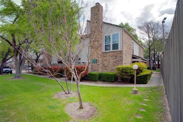 2331 N Davis Drive C, Arlington, TX 76012 (MLS #14546414) :: Craig Properties Group