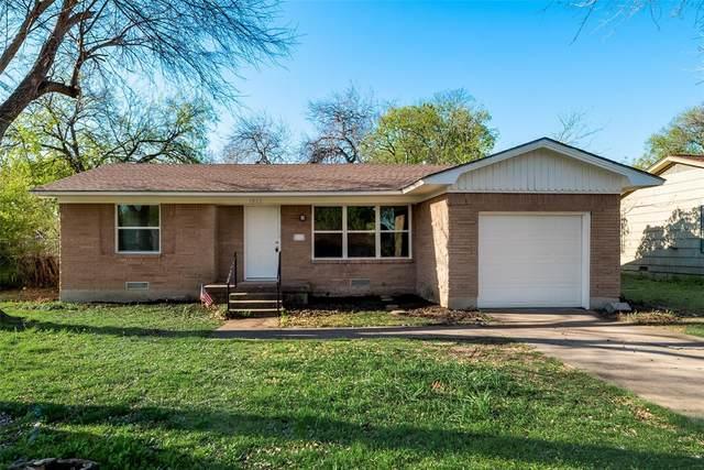 1813 Crescent Street, Denton, TX 76201 (MLS #14546507) :: The Mauelshagen Group