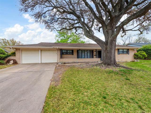 5201 Stacey Avenue, Fort Worth, TX 76132 (MLS #14547078) :: The Chad Smith Team