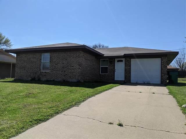 1940 Lindy Drive, Graham, TX 76450 (MLS #14547082) :: Real Estate By Design