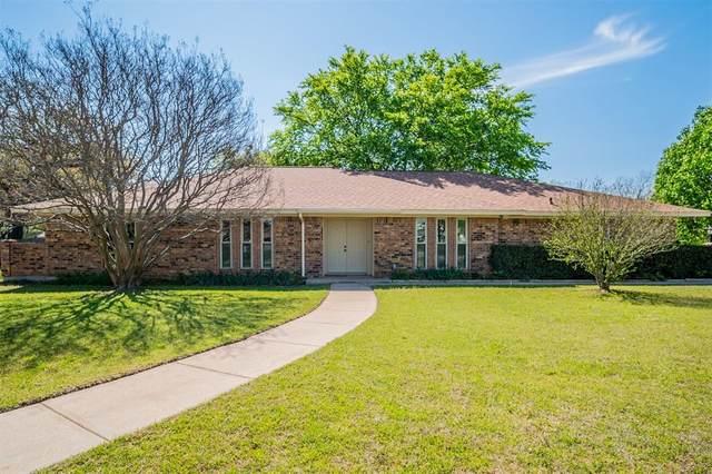 104 Mountain Valley Boulevard, Joshua, TX 76058 (MLS #14547971) :: The Hornburg Real Estate Group