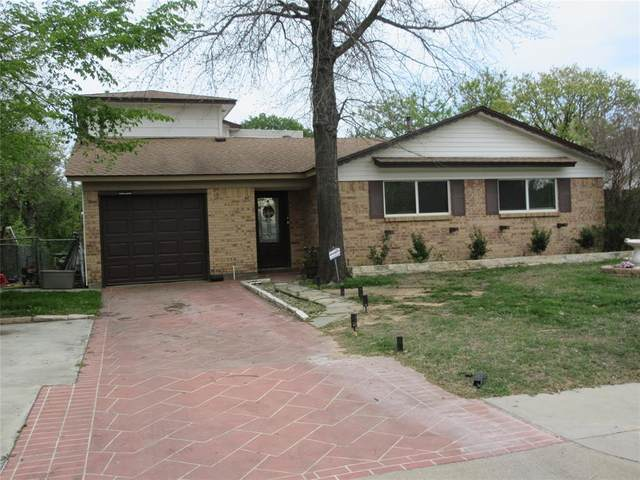 504 Arwine Drive, Hurst, TX 76053 (MLS #14548329) :: Real Estate By Design
