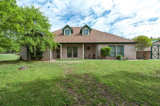 204 Saddle Club Road, Weatherford, TX 76088 (#14548479) :: Homes By Lainie Real Estate Group