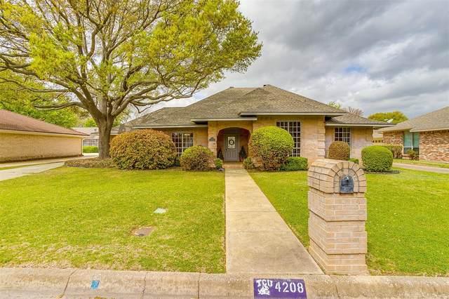 4208 Lake Vista Drive, Benbrook, TX 76132 (MLS #14549195) :: The Hornburg Real Estate Group
