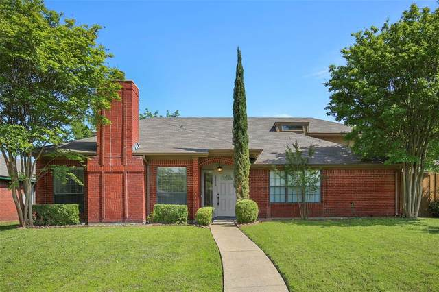 2226 Crystal Creek Lane, Garland, TX 75040 (MLS #14550171) :: The Chad Smith Team
