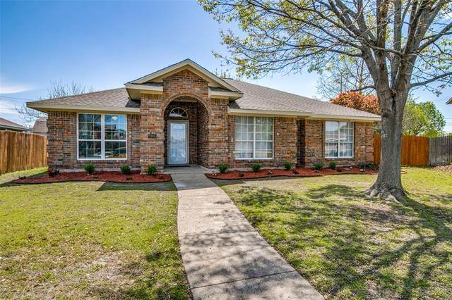 8906 Chimneywood Drive, Rowlett, TX 75089 (MLS #14550337) :: The Good Home Team