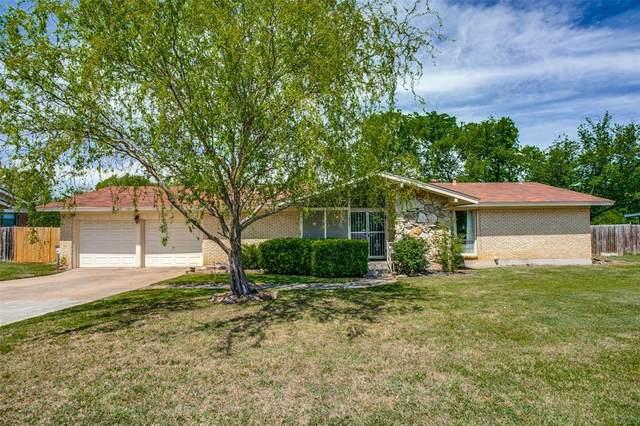 5837 Tourist Drive, North Richland Hills, TX 76117 (MLS #14550978) :: The Hornburg Real Estate Group