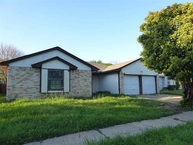 2315 Redbrook Drive, Arlington, TX 76014 (MLS #14551210) :: All Cities USA Realty