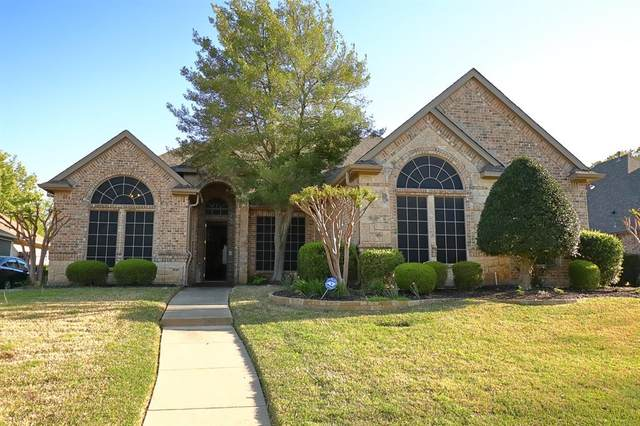 9116 Edgemont Drive, North Richland Hills, TX 76182 (MLS #14551627) :: Craig Properties Group