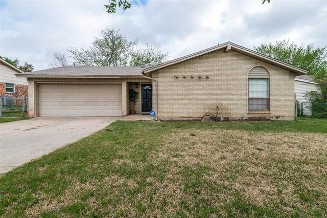 209 E Malone Avenue, Crowley, TX 76036 (MLS #14551765) :: Craig Properties Group
