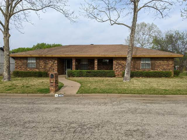 1404 Tanglewood Drive, Graham, TX 76450 (MLS #14552149) :: The Chad Smith Team