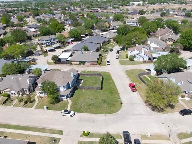 851 Valleybrooke Drive, Arlington, TX 76001 (MLS #14552618) :: Real Estate By Design