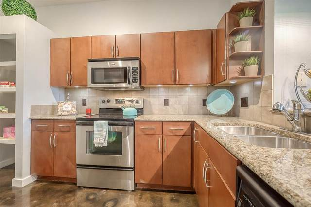 201 W Lancaster Avenue #123, Fort Worth, TX 76102 (MLS #14552630) :: Lyn L. Thomas Real Estate | Keller Williams Allen