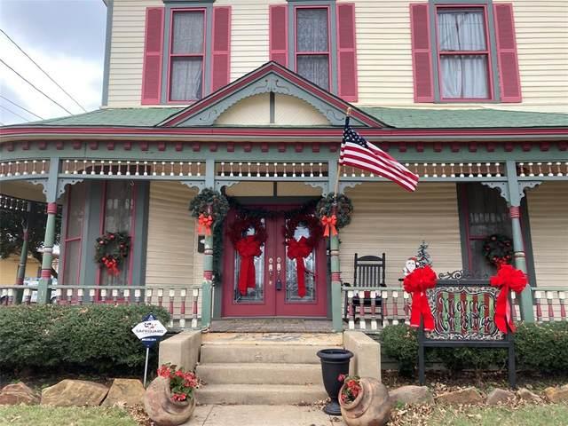 201 N Anglin Street, Cleburne, TX 76031 (MLS #14552649) :: The Hornburg Real Estate Group