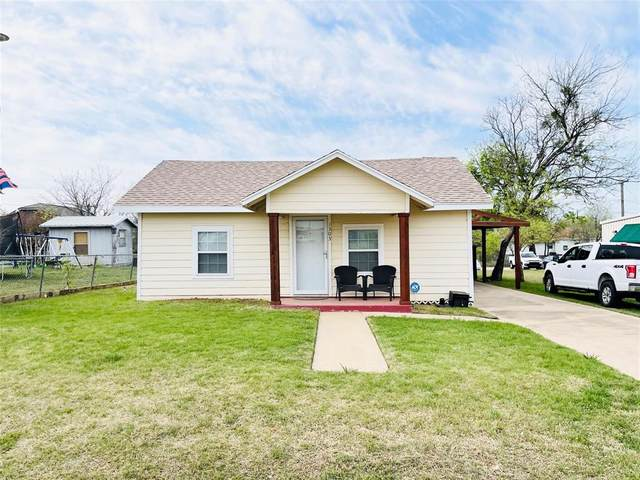 1303 E Williams Street, Breckenridge, TX 76424 (MLS #14552687) :: The Chad Smith Team