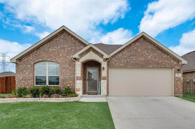 701 Grassland Way, Arlington, TX 76002 (MLS #14552893) :: The Chad Smith Team