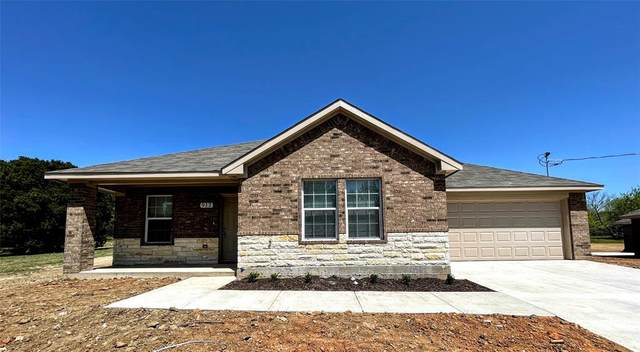 908 SW 17th Street, Mineral Wells, TX 76067 (MLS #14552920) :: Real Estate By Design