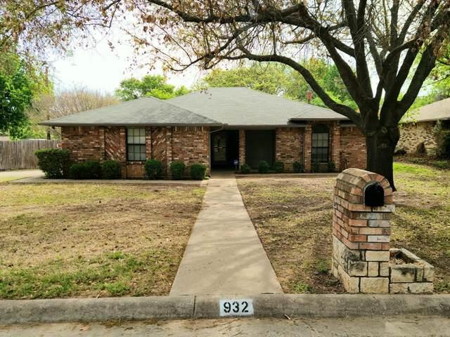 932 Rosebud Drive, Azle, TX 76020 (MLS #14553544) :: The Chad Smith Team