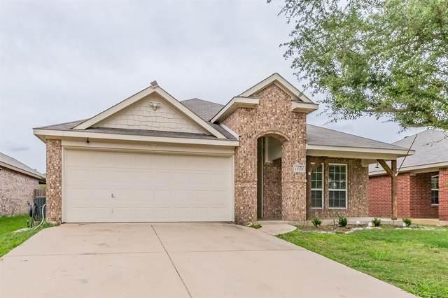 1529 Wickham Drive, Burleson, TX 76028 (MLS #14553558) :: Real Estate By Design