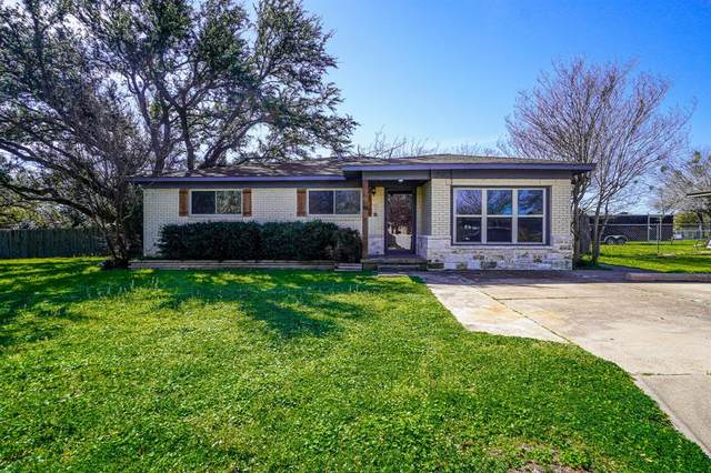 611 Crestview Drive, Granbury, TX 76048 (MLS #14553565) :: The Heyl Group at Keller Williams