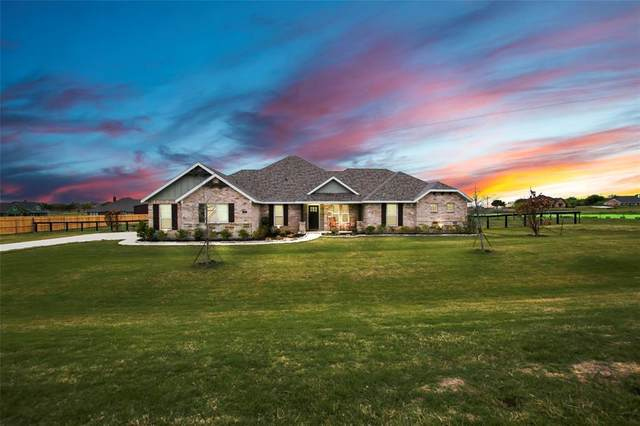 5004 Crown Court, Sanger, TX 76266 (MLS #14553603) :: The Mauelshagen Group