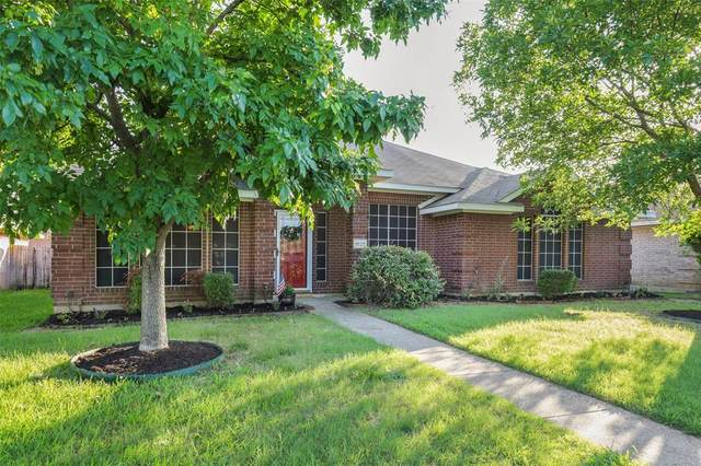 1527 Cardigan Lane, Lancaster, TX 75134 (MLS #14553636) :: Robbins Real Estate Group