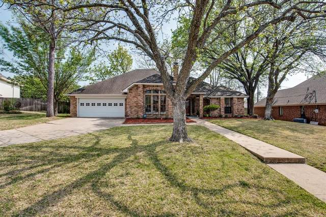 3702 Meadowedge Road, Arlington, TX 76001 (MLS #14553665) :: The Heyl Group at Keller Williams