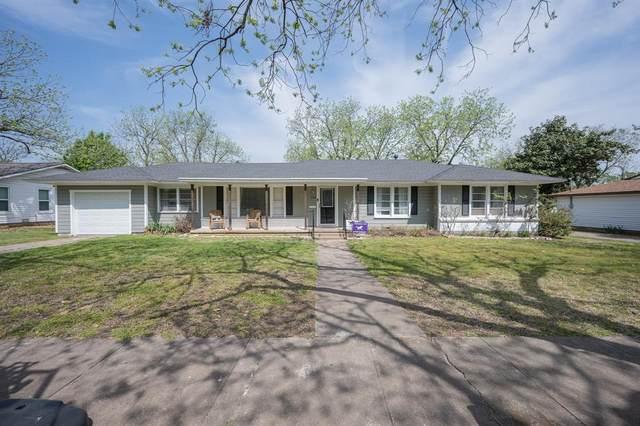 206 Moon Street, Cleburne, TX 76033 (MLS #14553764) :: Lyn L. Thomas Real Estate   Keller Williams Allen
