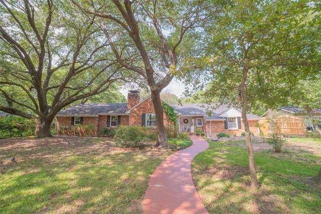 1717 Greenwood Drive, Denton, TX 76209 (MLS #14553821) :: The Kimberly Davis Group