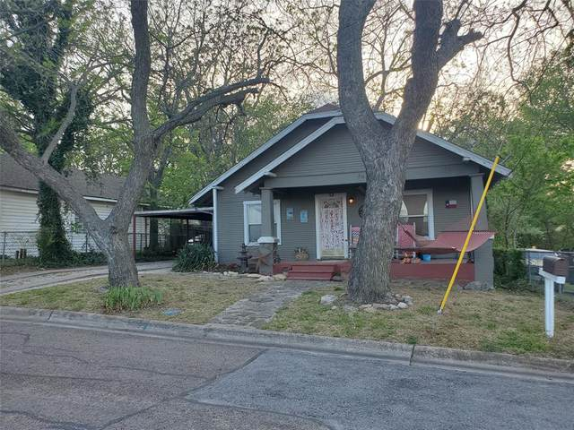 207 N Waco Street, Weatherford, TX 76086 (MLS #14554183) :: Feller Realty