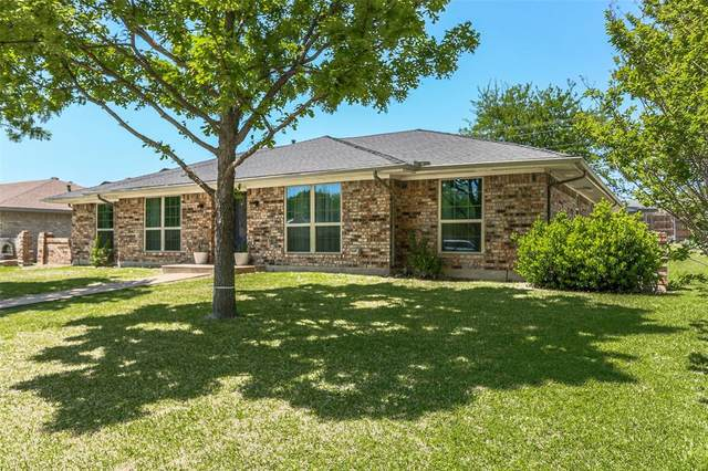 2109 Maple Leaf Drive, Plano, TX 75075 (MLS #14554189) :: The Rhodes Team