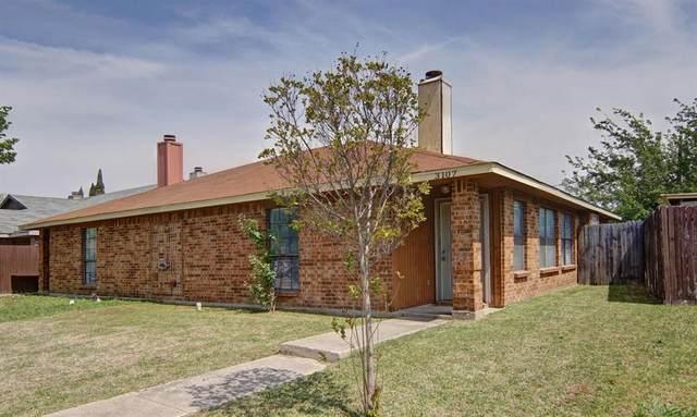 3107 Gregory Lane, Grand Prairie, TX 75052 (MLS #14554246) :: RE/MAX Pinnacle Group REALTORS