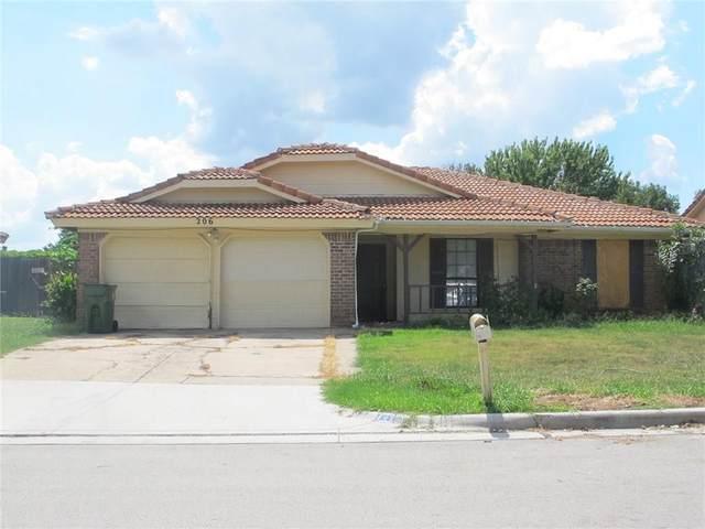206 Lemon Drive, Arlington, TX 76018 (MLS #14554526) :: Craig Properties Group