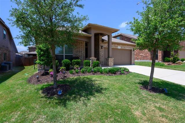 2836 Saddle Creek Drive, Fort Worth, TX 76177 (#14554581) :: Homes By Lainie Real Estate Group