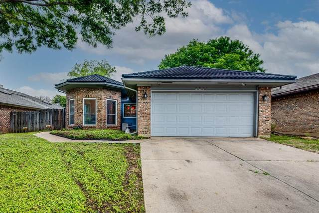 2214 Baltic Avenue, Arlington, TX 76011 (MLS #14554891) :: Wood Real Estate Group