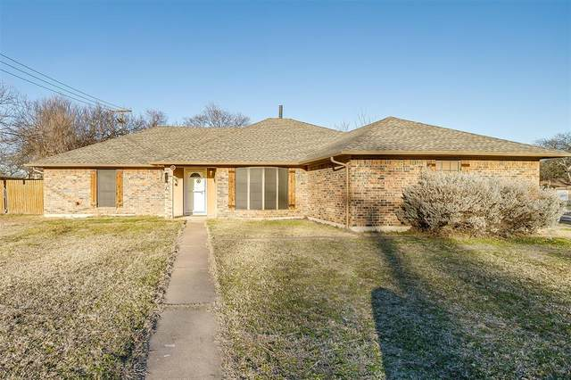 800 Ridgeview Drive, Burleson, TX 76028 (MLS #14555053) :: The Chad Smith Team