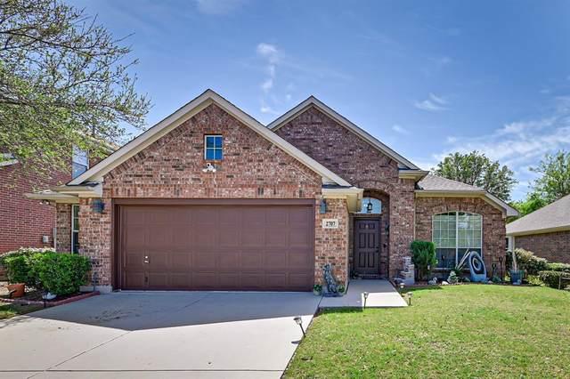 2707 Honey Suckle Drive, Grand Prairie, TX 75052 (MLS #14555102) :: The Chad Smith Team