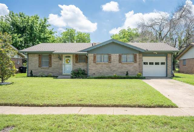 1303 Rose Avenue, Cleburne, TX 76033 (MLS #14555446) :: Rafter H Realty