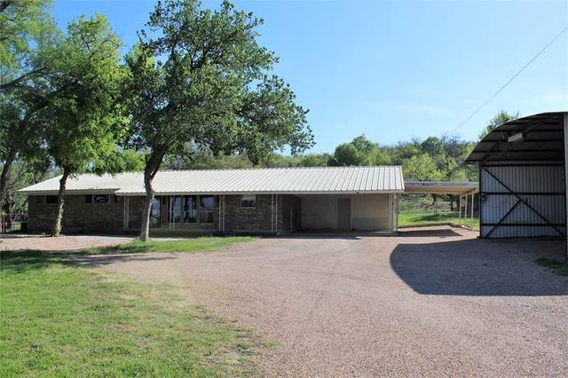 1113 W Commerce Street, Brownwood, TX 76801 (MLS #14555631) :: The Chad Smith Team