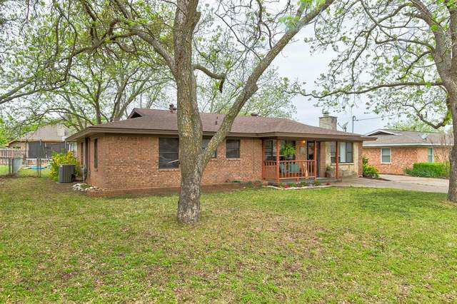 1772 Bingham Street, Stephenville, TX 76401 (#14555777) :: Homes By Lainie Real Estate Group