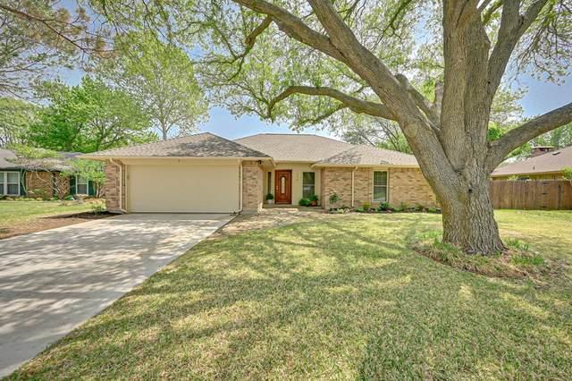 1604 Almond Drive, Mansfield, TX 76063 (MLS #14555785) :: Justin Bassett Realty