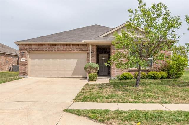 368 Magma Drive, Fort Worth, TX 76131 (MLS #14555914) :: The Chad Smith Team
