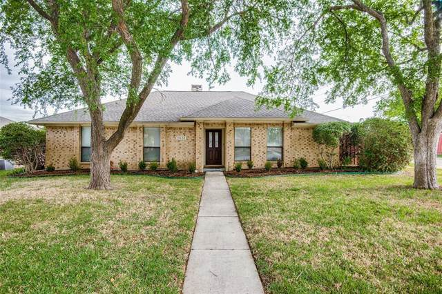 2631 Carmel Drive, Carrollton, TX 75006 (MLS #14556046) :: Jones-Papadopoulos & Co