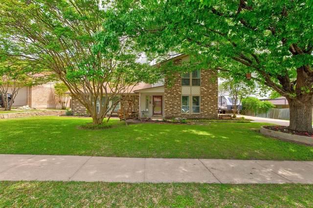10029 Westpark Drive, Benbrook, TX 76126 (MLS #14556081) :: Wood Real Estate Group