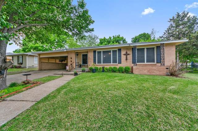 1003 W Sycamore Street, Sherman, TX 75092 (#14556394) :: Homes By Lainie Real Estate Group