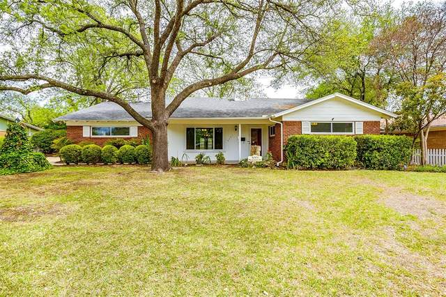 4001 Plantation Drive, Benbrook, TX 76116 (MLS #14556995) :: VIVO Realty